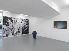 """Vue de l'exposition / Exhibition view """"Monstres et Madones"""", Triple V, Paris, 2016"""